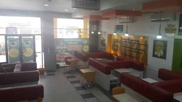 restaurants ouverts Ennasr reçoivent visite forces l'ordre BN16105baguette-bagu