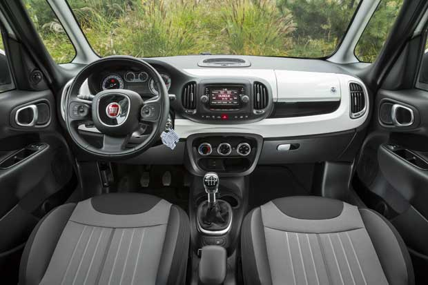 italcar lance en tunisie la nouvelle fiat 500 l pour un. Black Bedroom Furniture Sets. Home Design Ideas