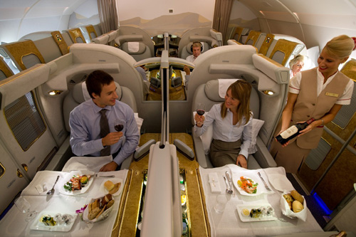 Emirates airline a380 l avion de for 1ere classe salon