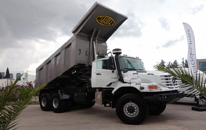 le moteur pr sente le nouveau camion mercedes benz tout terrain zetros. Black Bedroom Furniture Sets. Home Design Ideas
