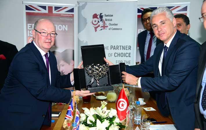 le ministre britannique alistair ForChambre De Commerce En Tunisie