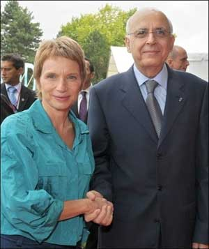 http://www.businessnews.com.tn/images/Sources/BusinessNews/ghannouchi-parisot0808.jpg