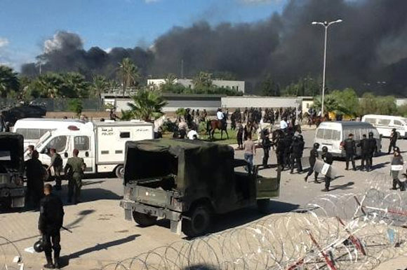 Photos de l'invasion de l'ambassade américaine à Tunis